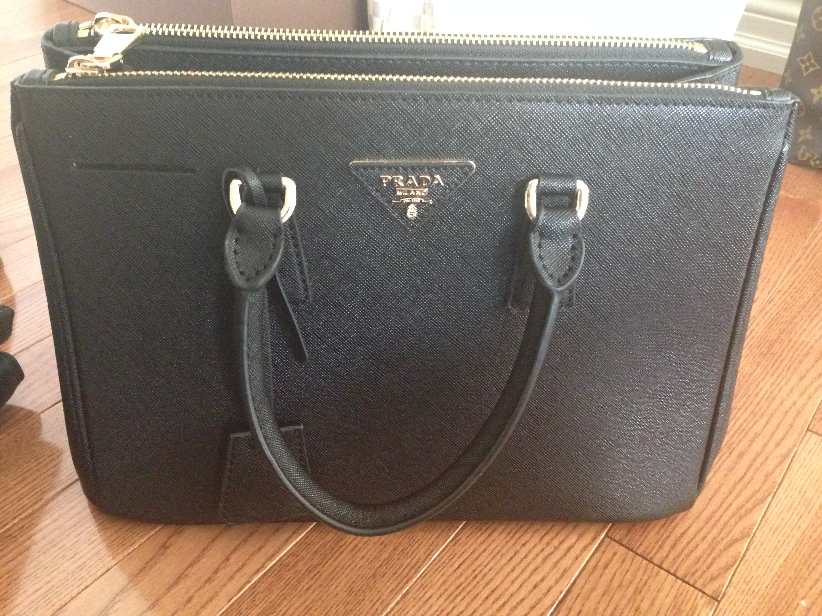 prada saffiano handbag prices