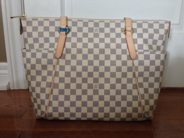 louis-vuitton-replica-totally-gm-damier-azur-4