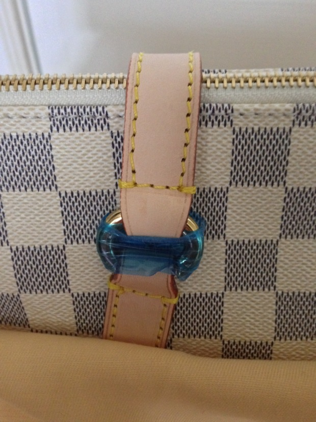 louis-vuitton-replica-totally-gm-damier-azur-handle