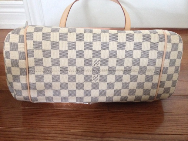 louis-vuitton-replica-totally-gm-damier-azur-under