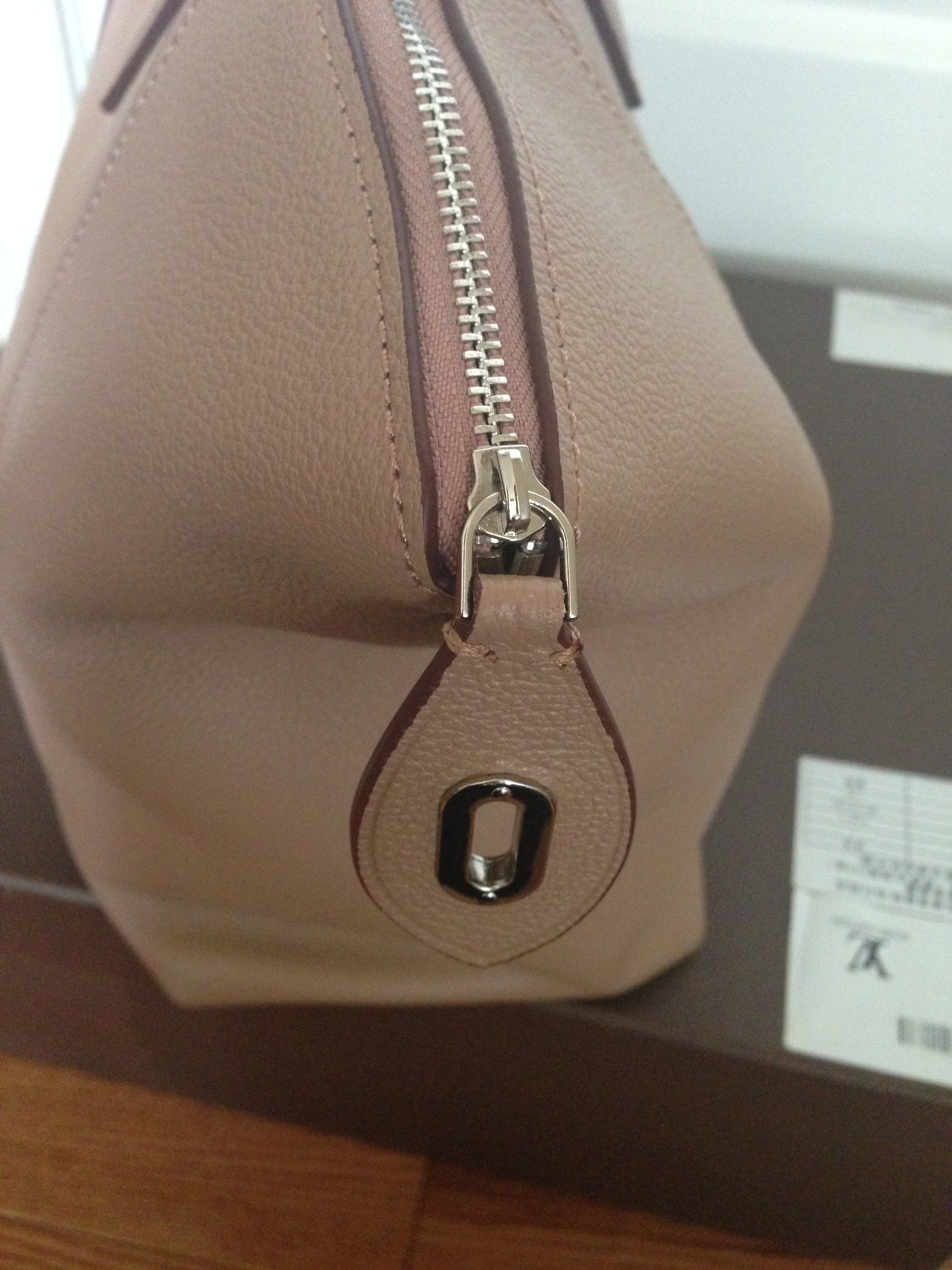 Replica bags replica handbag reviews by thepursequeen for Replica design