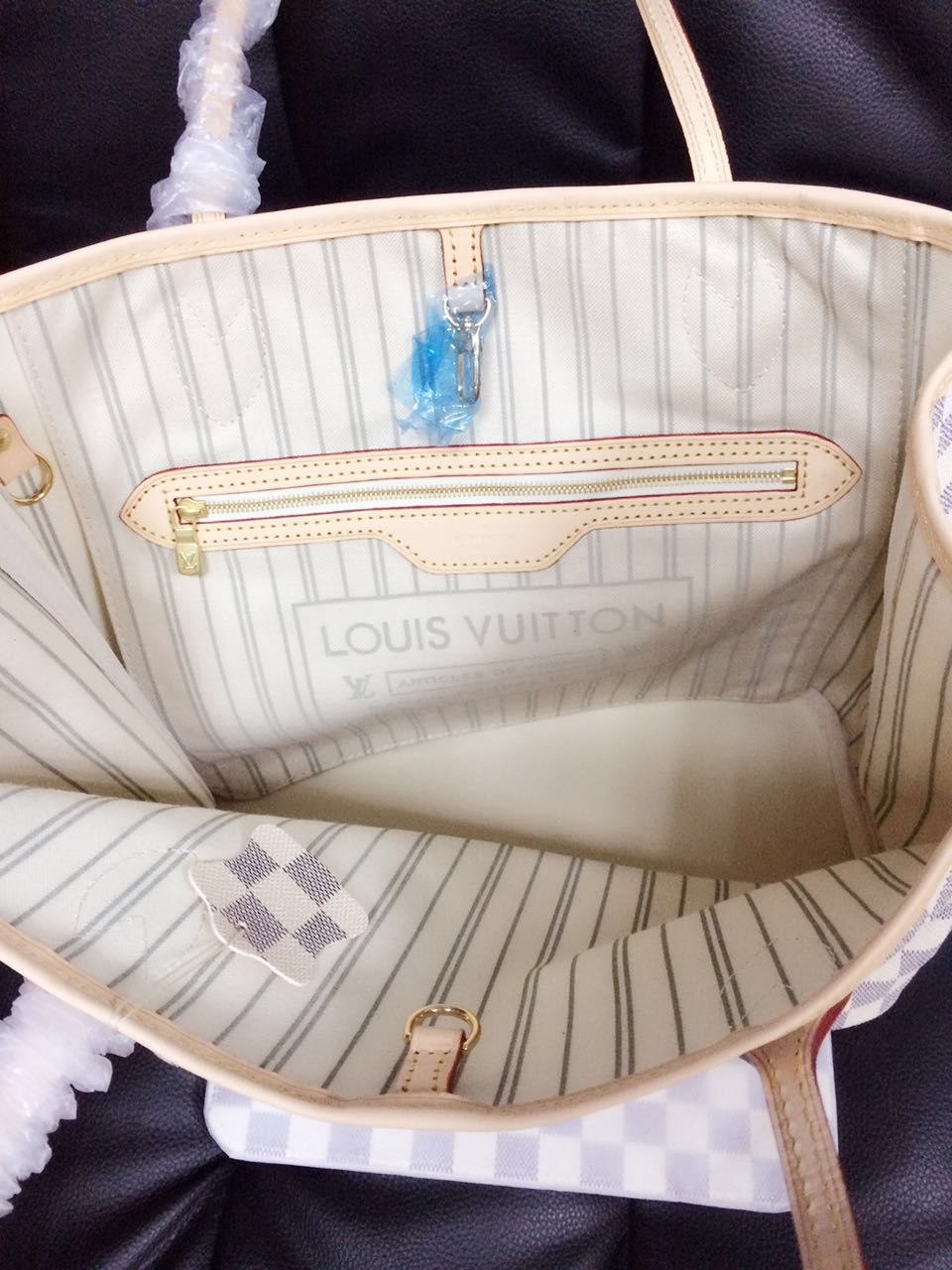 louis vuitton neverfull white. inside louis vuitton neverfull replica white